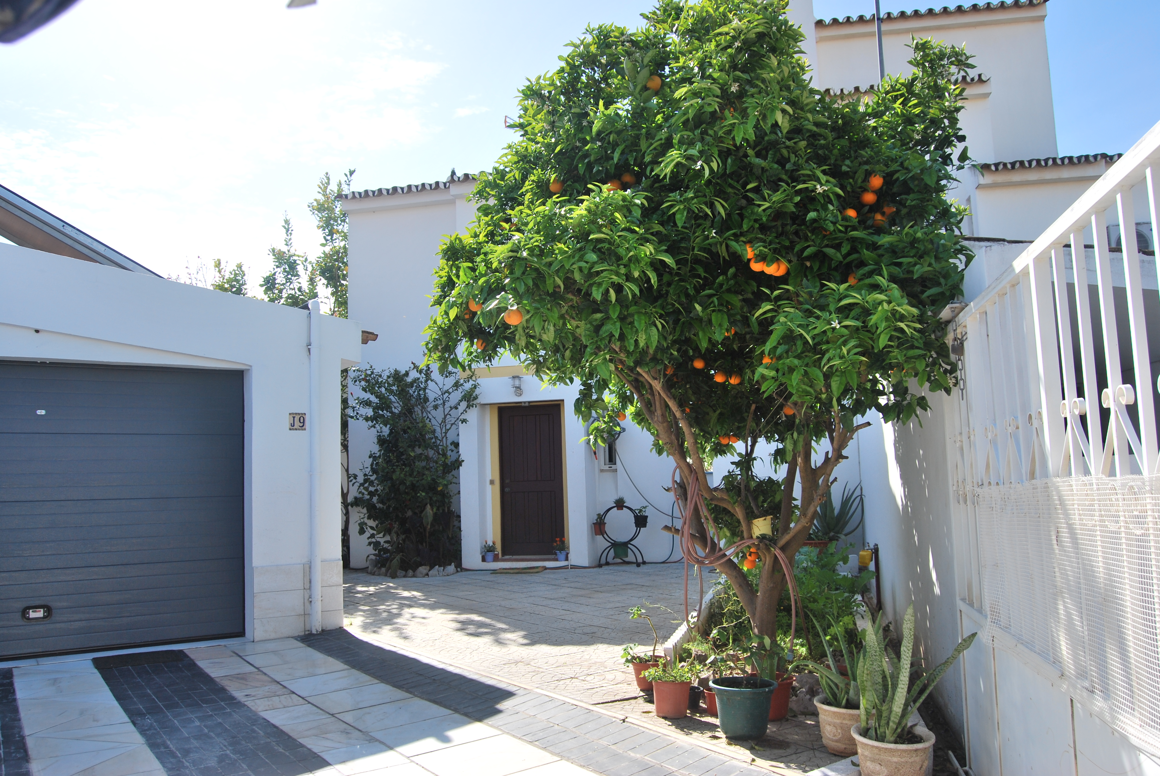 Holiday house for 6 persons  + 2 children approx. 200 m² in Quarteira, Algarve (Western Algarve)